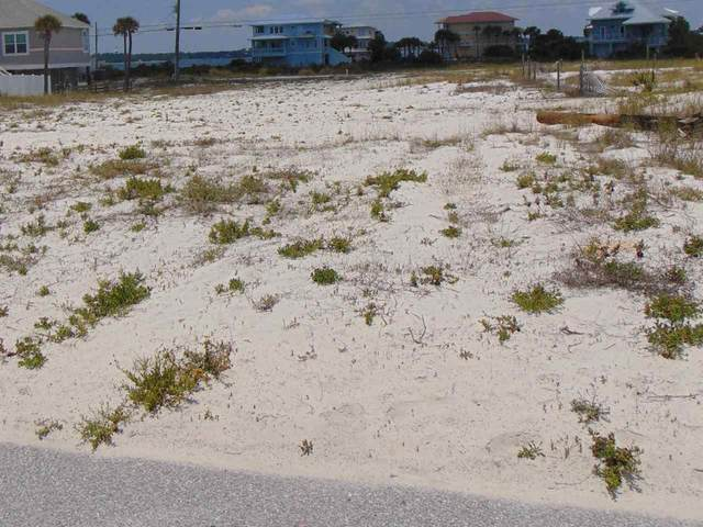 7628 Gulf Blvd, Navarre Beach, FL 32566 (MLS #573881) :: Connell & Company Realty, Inc.