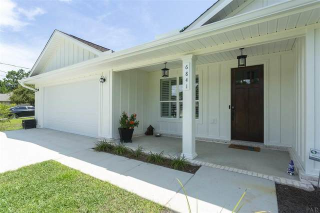 6632 Castlewood St, Navarre, FL 32566 (MLS #581260) :: Levin Rinke Realty