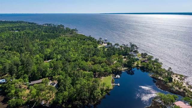 5050 Bay Edge Ln, Milton, FL 32583 (MLS #588180) :: Coldwell Banker Coastal Realty