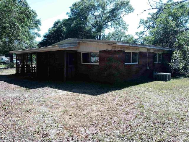 6057 Syrcle Ave, Milton, FL 32570 (MLS #589248) :: Levin Rinke Realty
