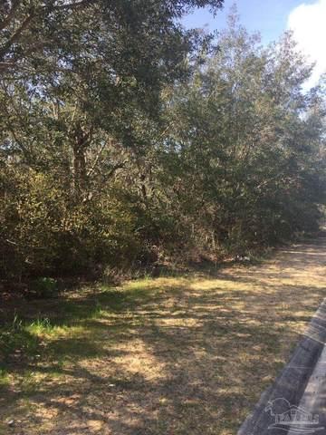 Manor Cir, Gulf Breeze, FL 32563 (MLS #589474) :: Levin Rinke Realty