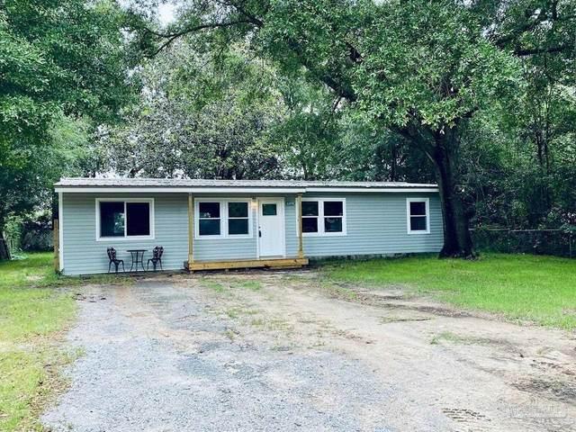 6098 Syrcle Ave, Milton, FL 32570 (MLS #589488) :: Levin Rinke Realty