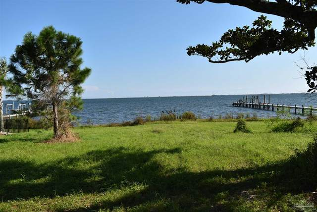 4445 Soundside Dr, Gulf Breeze, FL 32563 (MLS #596326) :: Connell & Company Realty, Inc.