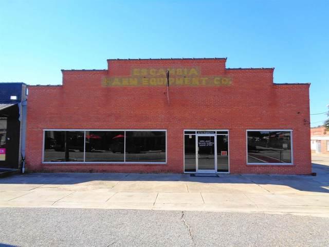 111 W Ridgeley St, Atmore, AL 36502 (MLS #596599) :: Coldwell Banker Coastal Realty