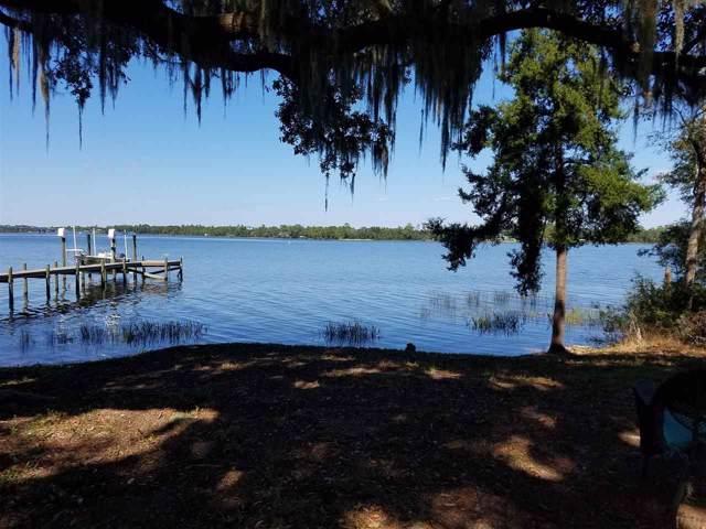 7581 Old Bay Pointe Rd, Milton, FL 32583 (MLS #562334) :: Levin Rinke Realty