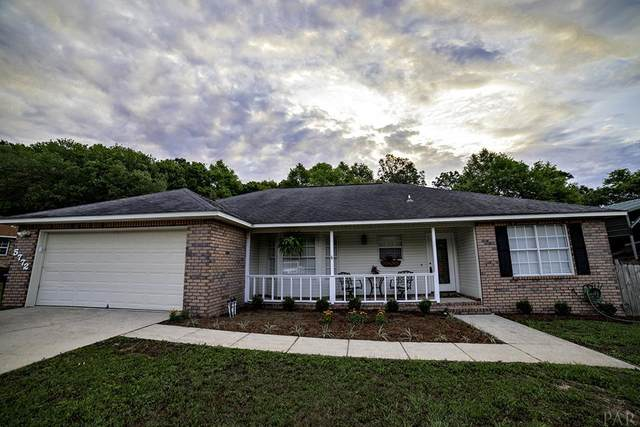 5772 Pebble Ridge Dr, Milton, FL 32583 (MLS #570289) :: Levin Rinke Realty