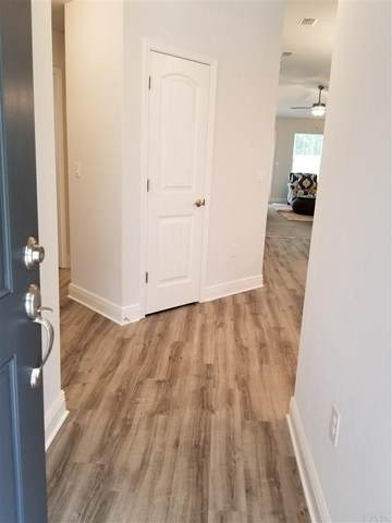 404 Hilburn Ln, Pensacola, FL 32504 (MLS #576048) :: Connell & Company Realty, Inc.