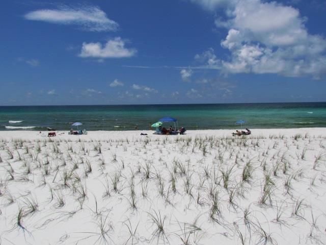 7411 Gulf Blvd, Navarre Beach, FL 32566 (MLS #519857) :: Levin Rinke Realty