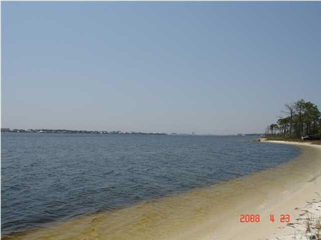 16213 Tarpon Dr, Pensacola, FL 32507 (MLS #530769) :: Levin Rinke Realty