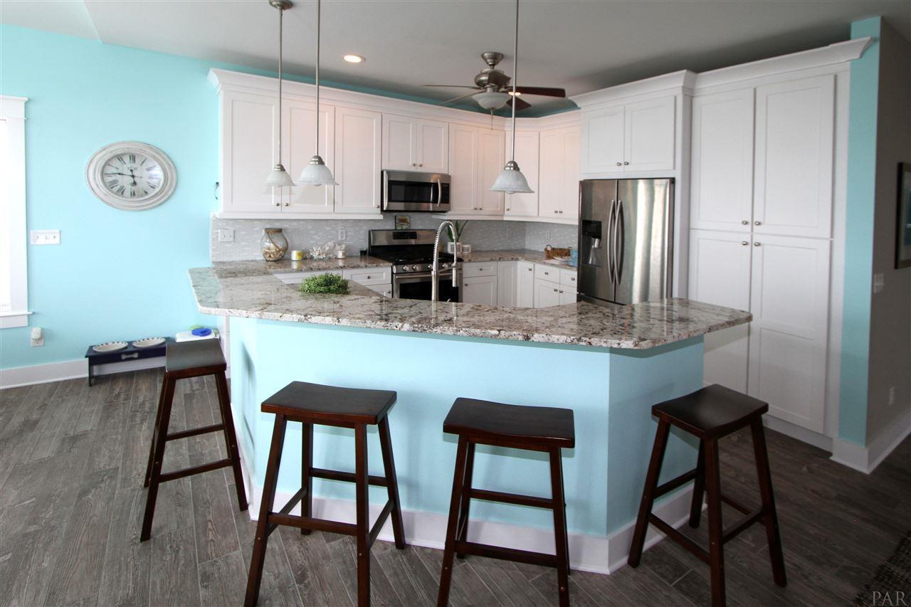 7390 Grand Navarre Blvd, Navarre Beach, FL 32566 (MLS #536594 ...