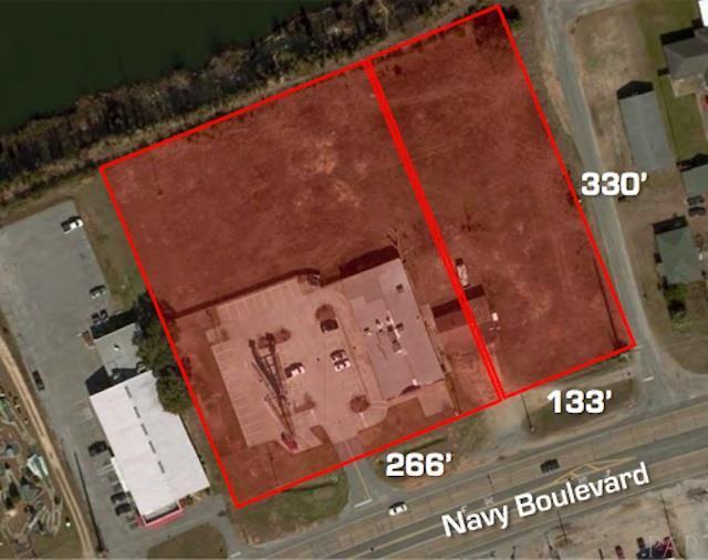 3904 W Navy Blvd, Pensacola, FL 32507 (MLS #543339) :: ResortQuest Real Estate