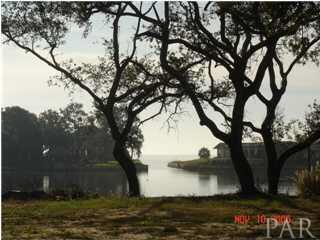 74 Star Lake Dr, Pensacola, FL 32507 (MLS #543579) :: Levin Rinke Realty