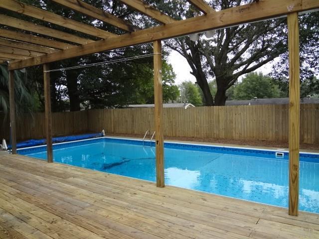 7085 Ben Sasser Dr, Pensacola, FL 32526 (MLS #547912) :: ResortQuest Real Estate