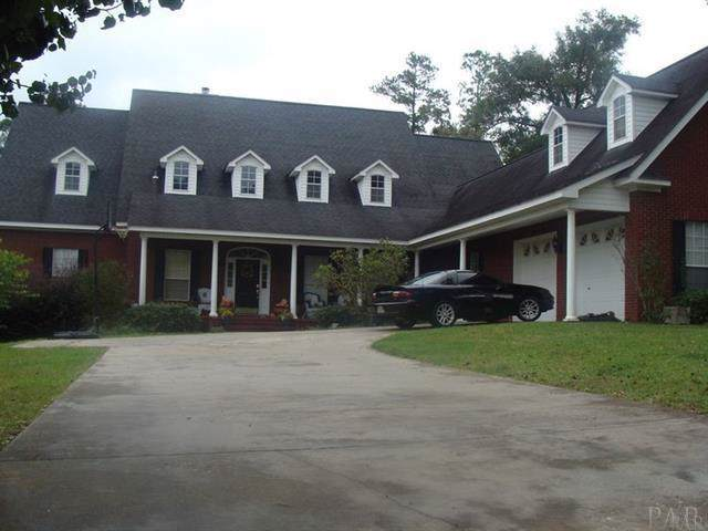 202 E Oak Ridge Ct, Brewton, AL 36426 (MLS #564401) :: Levin Rinke Realty