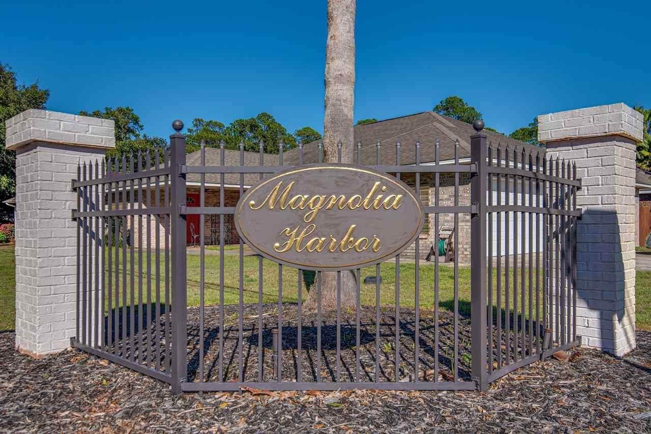 1747 Magnolia Harbor Dr - Photo 1