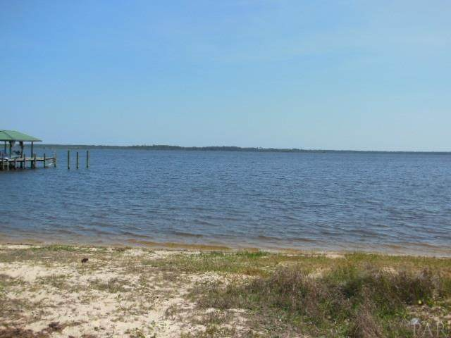 7359 Owensville Rd, Bagdad, FL 32583 (MLS #569034) :: Crye-Leike Gulf Coast Real Estate & Vacation Rentals