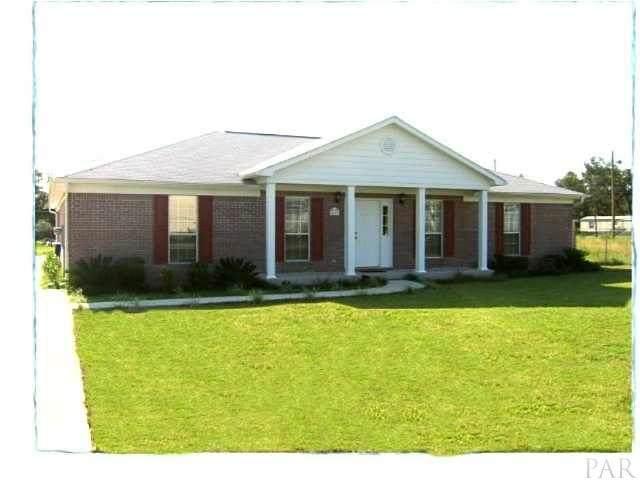 5615 N Airport Rd, Milton, FL 32583 (MLS #570112) :: ResortQuest Real Estate