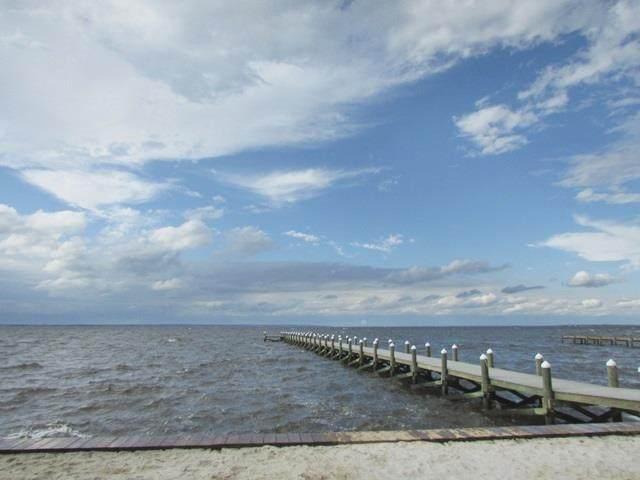 1368 Sanibel Ln, Gulf Breeze, FL 32563 (MLS #570344) :: Connell & Company Realty, Inc.