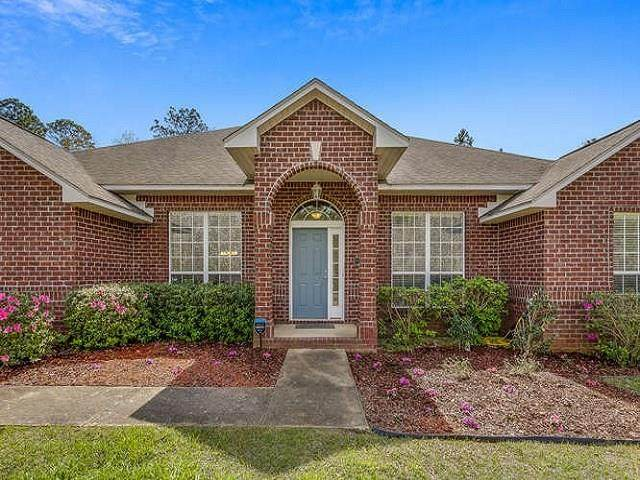 1113 Yellowstone Pass, Cantonment, FL 32533 (MLS #570425) :: Levin Rinke Realty