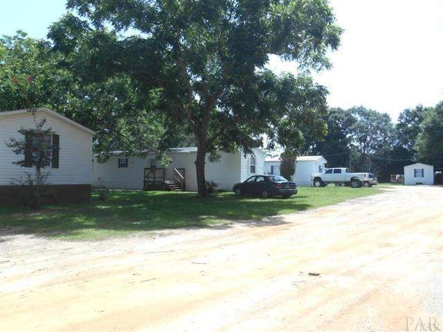 2866 Pine Forest Rd, Pensacola, FL 32533 (MLS #580941) :: Coldwell Banker Coastal Realty