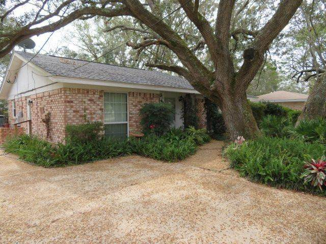 325 Fairpoint Dr, Gulf Breeze, FL 32561 (MLS #581850) :: Connell & Company Realty, Inc.