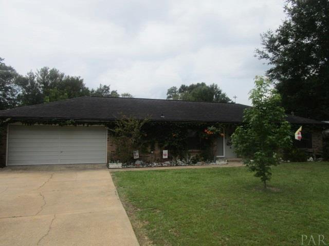 5849 Hermitage Cir, Milton, FL 32570 (MLS #521399) :: ResortQuest Real Estate