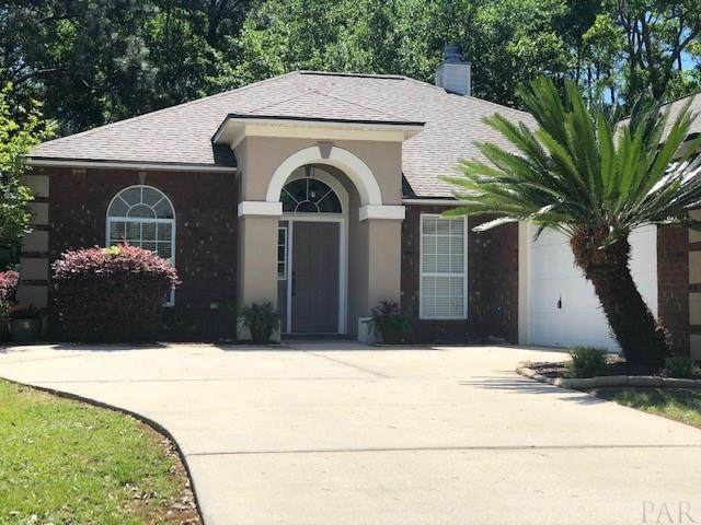 5761 Dunbar Cir, Milton, FL 32583 (MLS #568865) :: ResortQuest Real Estate