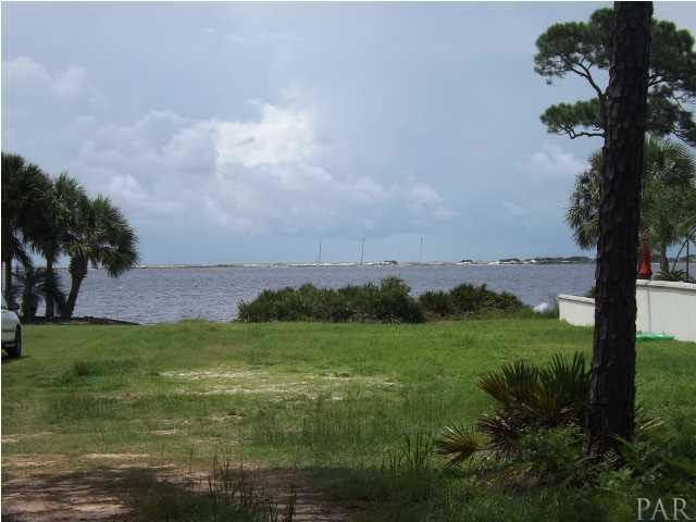1966 Fontainebleau Ct, Navarre, FL 32566 (MLS #420439) :: Levin Rinke Realty