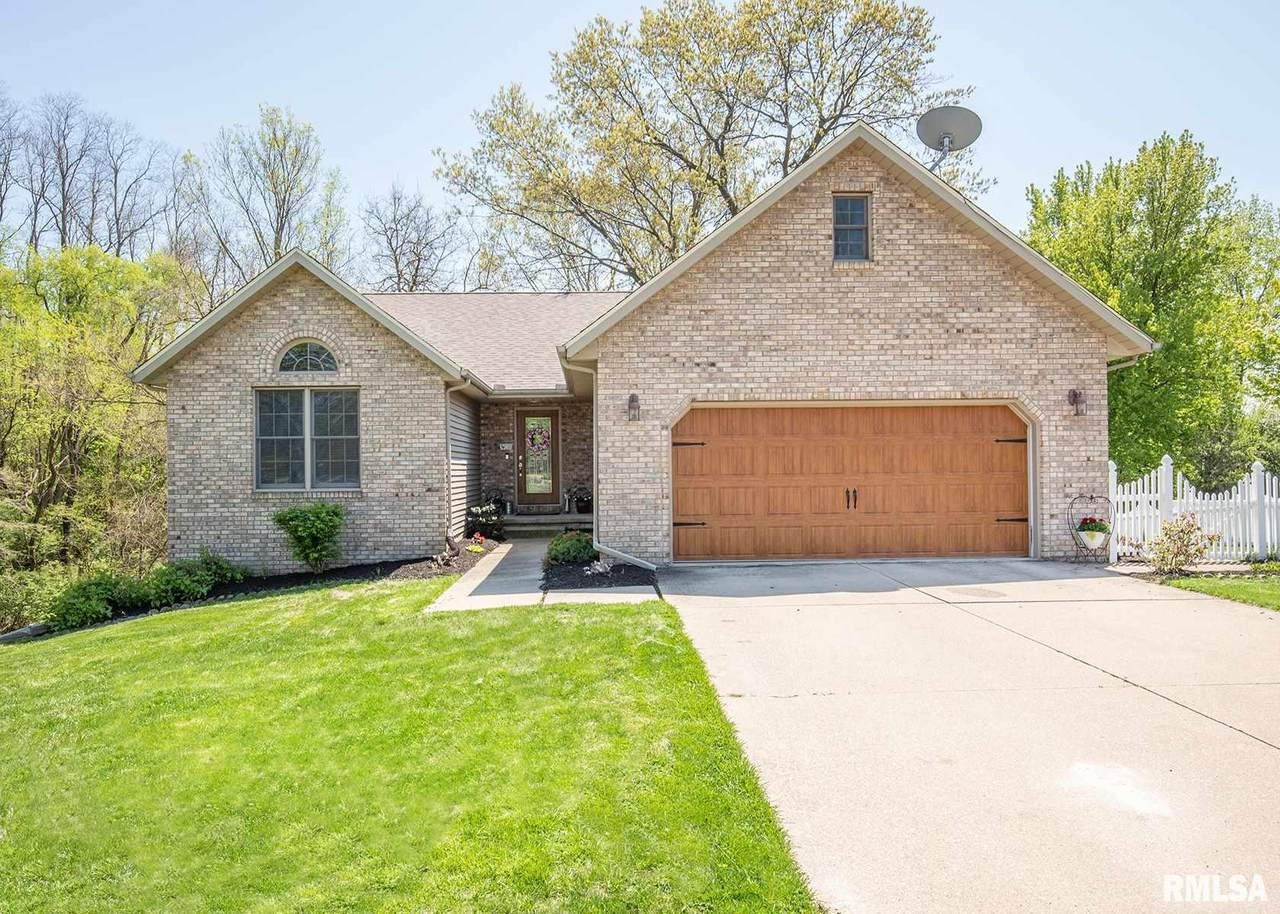 402 Pearsall Drive - Photo 1