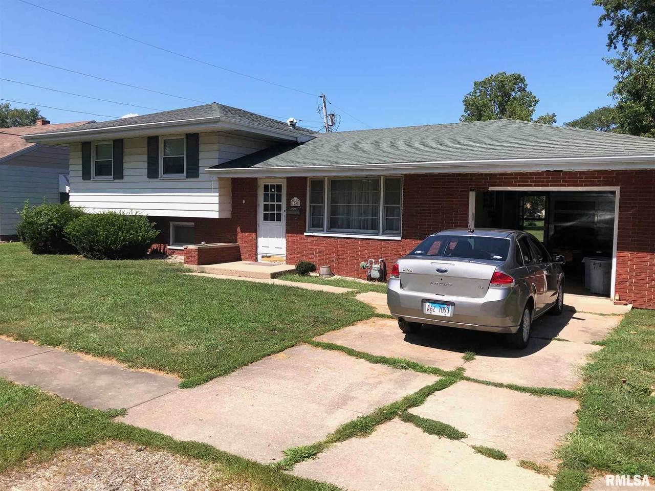 1255 Sunview Drive - Photo 1