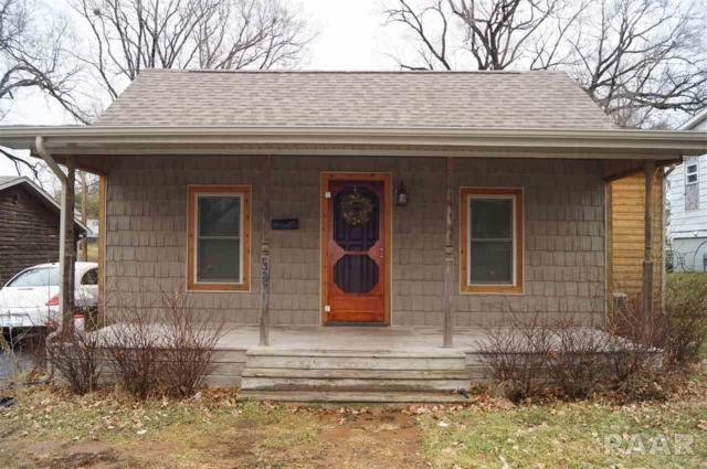 329 N Avenue C, Canton, IL 61520 (#1180207) :: Adam Merrick Real Estate