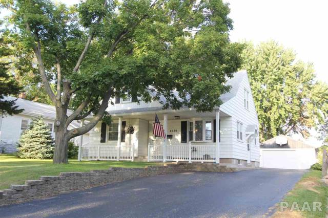 4220 N Illinois, Peoria Heights, IL 61616 (#1186865) :: RE/MAX Preferred Choice