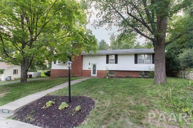 7035 N Willow Wood, Peoria, IL 61614 (#1186943) :: RE/MAX Preferred Choice