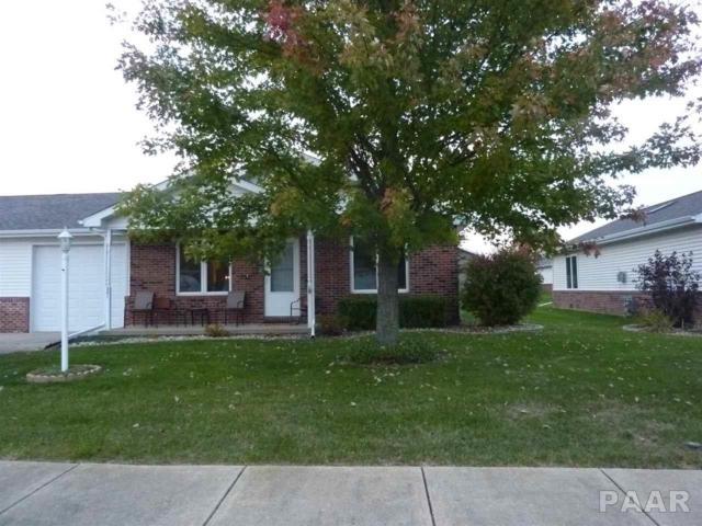 201 Easy, Washington, IL 61571 (#1188846) :: Adam Merrick Real Estate