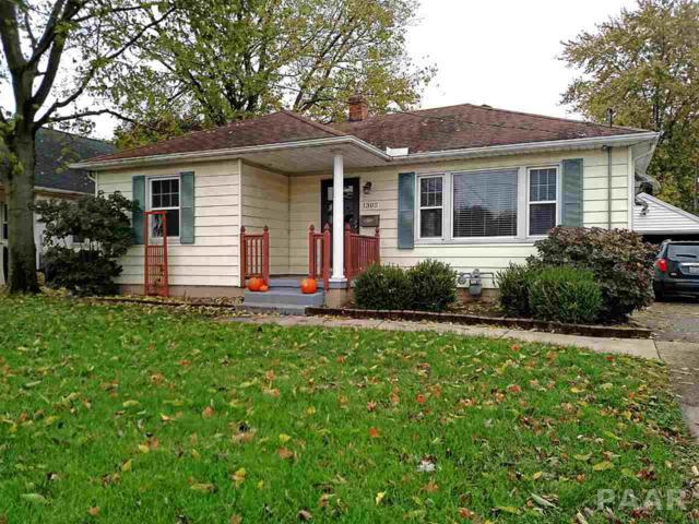1302 Willow Street, Pekin, IL 61554 (#1189394) :: Adam Merrick Real Estate