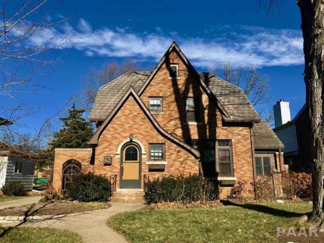 209 W Crestwood Drive, Peoria, IL 61614 (#1189865) :: Adam Merrick Real Estate