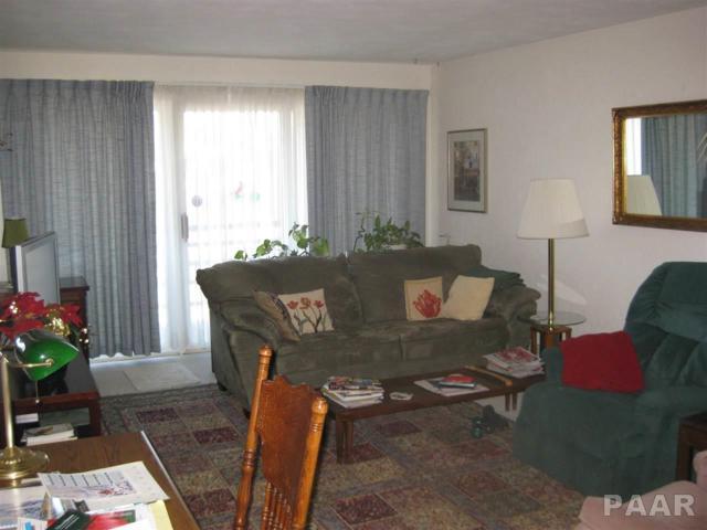 2705 Willow Lake, Peoria, IL 61614 (#1189946) :: RE/MAX Preferred Choice