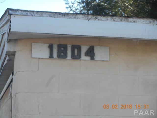 1804 N University, Peoria, IL 61606 (#1191970) :: Adam Merrick Real Estate