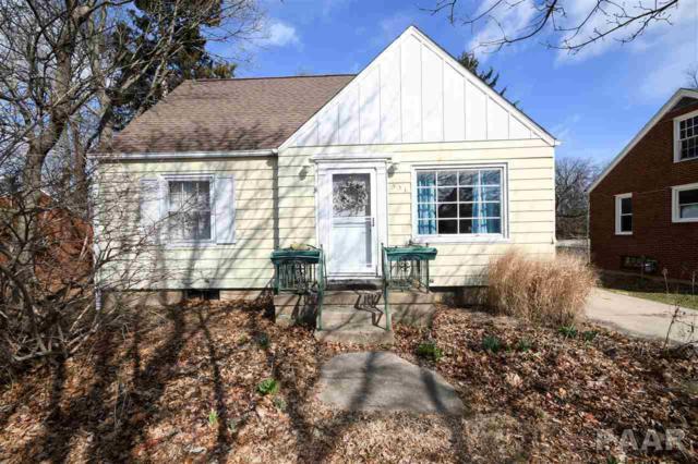 331 W Clara Avenue, Peoria, IL 61614 (#1192171) :: Adam Merrick Real Estate