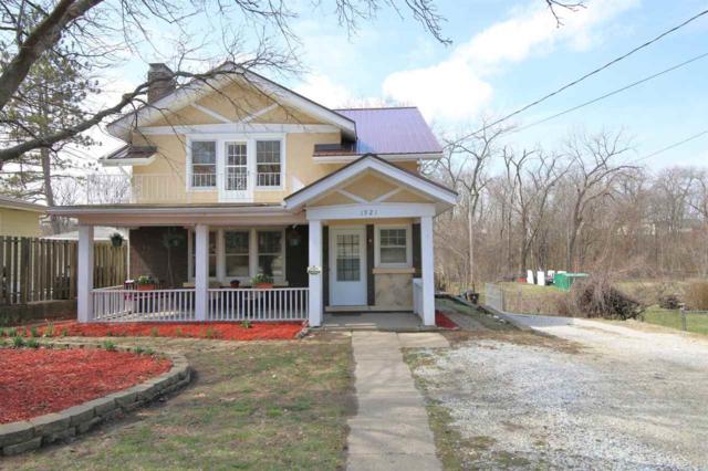 1921 N Hampton Court, Peoria, IL 61604 (#1192826) :: Adam Merrick Real Estate