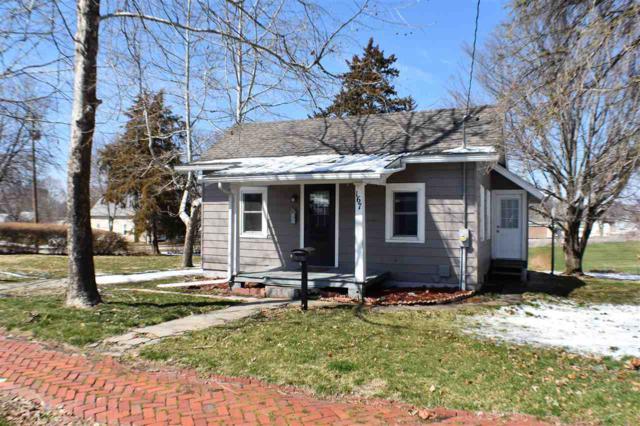 167 W Oak, Canton, IL 61520 (#1192859) :: Adam Merrick Real Estate