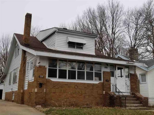 1215 N Frink, Peoria, IL 61606 (#1193412) :: Adam Merrick Real Estate