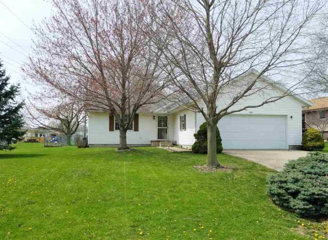 720 N 16TH, Canton, IL 61520 (#1193666) :: Adam Merrick Real Estate