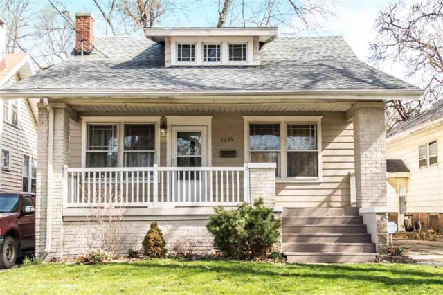 1235 E Seneca Place, Peoria, IL 61603 (#1193670) :: Adam Merrick Real Estate