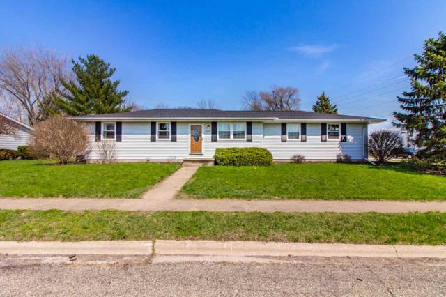 100 N Hazel, Chillicothe, IL 61523 (#1194114) :: Adam Merrick Real Estate