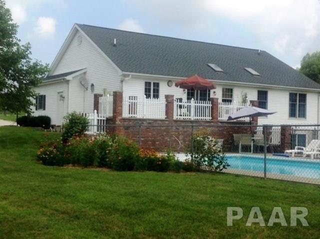 15753 E Pawnee Street, Cuba, IL 61427 (#1194292) :: Adam Merrick Real Estate