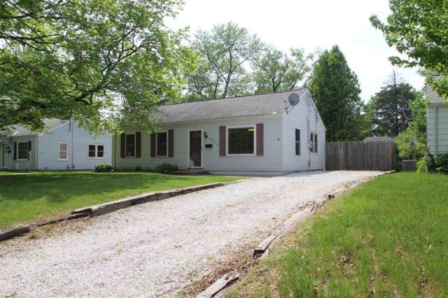 2925 N Village Drive, Peoria, IL 61604 (#1194423) :: Adam Merrick Real Estate