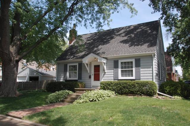 1117 E Elmhurst Avenue, Peoria, IL 61603 (#1194465) :: Adam Merrick Real Estate