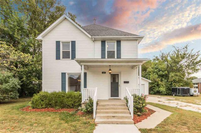 157 N Wall Street, Farmington, IL 61531 (#1194793) :: Adam Merrick Real Estate