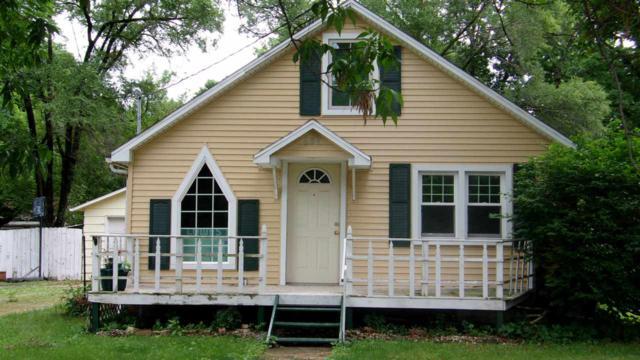 604 S Lincoln, Manito, IL 61546 (#1194814) :: Adam Merrick Real Estate